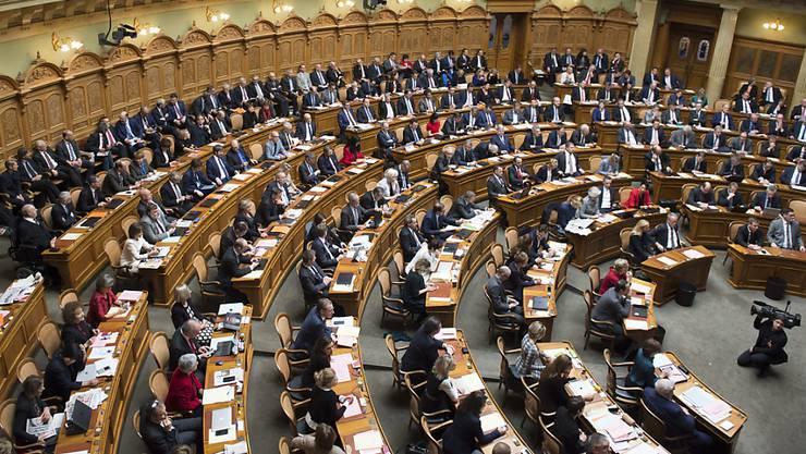 Diese Sessel sind begehrt: Laut Sotomo-Umfrage verliert die FDP, wohingegen die Grüne und die Grünliberale zulegen konnten.(Archivbild)