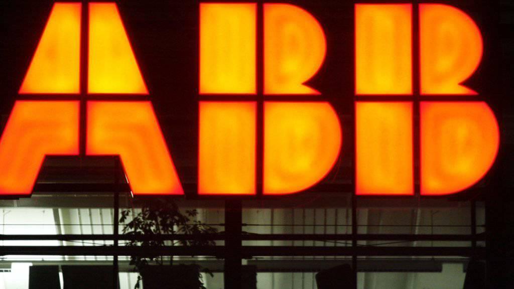 ABB will eine Milliarde beim Personal einsparen: Logo des Industriekonzerns am Hauptsitz in Zürich-Oerlikon.
