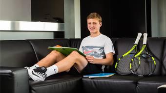 Zwischen Training und Schule verbringt Mischa Lanz seine Zeit oft in der Players Lounge des nationalen Leistungszentrums von Swiss Tennis in Biel.