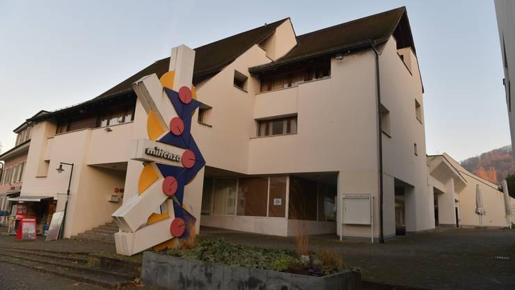 Vom Kongresszentrum zum Schulhaus: Die Mittenza in Muttenz.