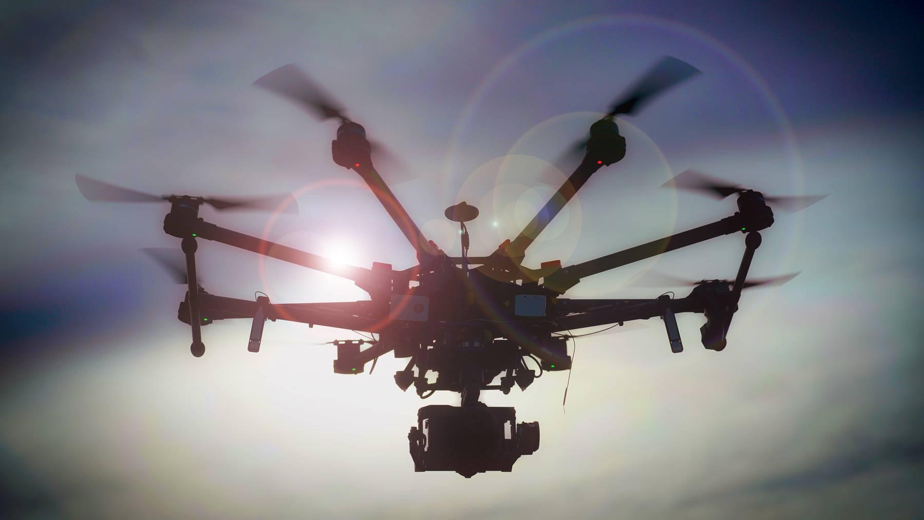Eine Churer Firma verkauft Netzpistolen, mit denen Drohnen abgeschossen werden können. (Symbolbild)