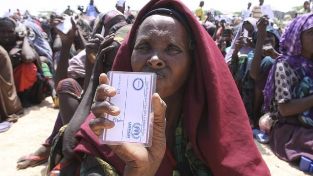 Insgesamt sind vier Millionen Somalier von der Krise betroffen (Archiv)