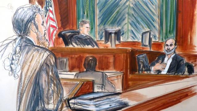 Osama bin Ladens Schwiegersohn Sulaiman Abu Ghaith (r) vor Gericht