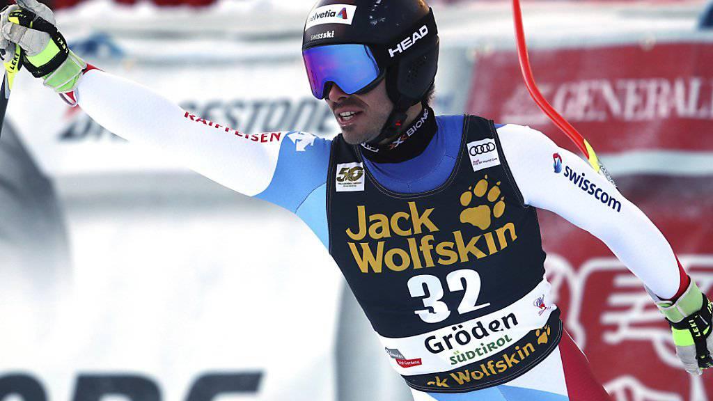Gilles Roulin freut sich im Zielraum von Val Garden über seinen 4. Platz in der Abfahrt