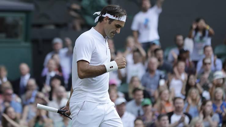 Souverän in die nächste Runde: Roger Federer liess auf dem Centre Court in Wimbledon nichts anbrennen