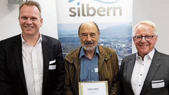 Hiag-CEO Marco Feusi wurde neu in den Vorstand der IG Silbern gewählt. Peter Valär wurde nach 17 Jahren im Vorstand verabschiedet und zum Ehrenmitglied ernannt. Urs Jenny bleibt Präsident.