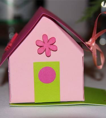 Das rosa Frauenhaus als Tischdekoration