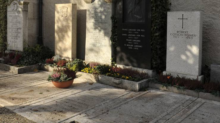 Eine Wolfwiler Familie will für ein Familien-Urnengrab eine spezielle Grabsteinplatte anfertigen lassen. (Symbolbild)