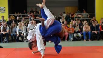 Ciril Grossklaus (in Weiss) nimmt lange Wege auf sich, um seinen olympischen Traum verwirklichen zu können.