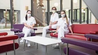 Von links: Jasmin Bruggisser, Vesna Markovic-Ivanovic und Melissa Almeida Sousa vom Pflegeteam 5 Ost haben bisher im zu Ende gehenden Jahr 292 Corona-Patienten betreut.