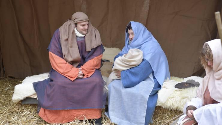 Josef, Maria und das Jesuskind auf dem Märetplatz