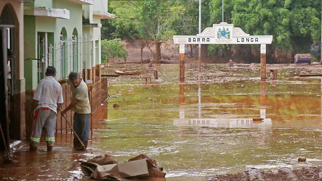 Bild des Ortes Barra Longa nach dem Dammbruch (Archiv)