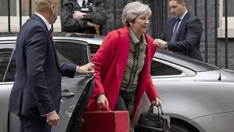 Der britischen Premierministerin Theresa May steht eine Woche wichtiger Entscheide um das Brexit-Abkommen mit der EU bevor. (Archivbild)