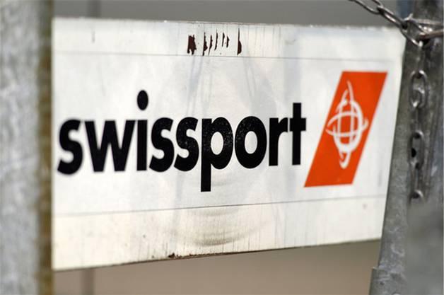 Der Kauf des Zürcher Unternehmens wurde im Juli bekannt. Käuferin ist die HNA Gruppe. Swissport ist die grösste Servicegesellschaft für Fluggesellschaften und Flughäfen der Welt und stammt aus der «Konkursmasse» der Swissair Gruppe.