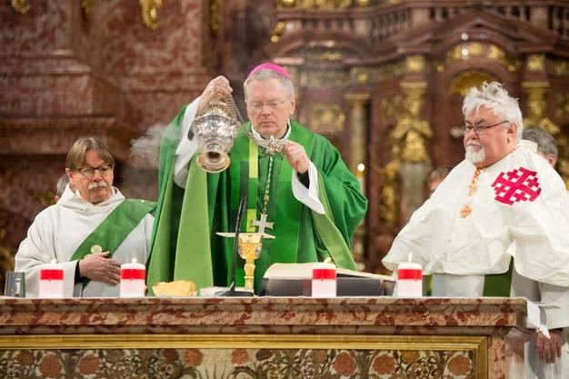 Der US-amerikanische Erzbischof Thomas E. Gullickson hielt anlässlich des Jubiläums der Vereinigung Kirche in Not in der Jesuitenkirche in Luzern die Messe.