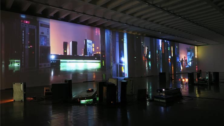 Schöne Illusion: Susanne Hofer gaukelt uns im Kunstraum Baden eine futuristische nächtliche Stadt vor. Wir glauben ihr noch so gerne. Susanne Hofer
