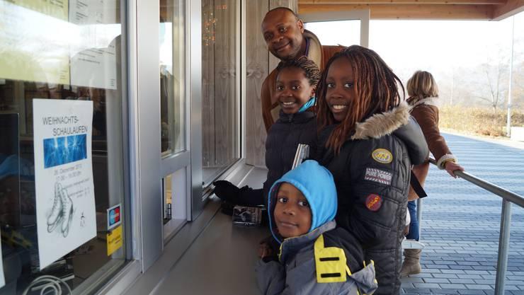 Familie Mouzinho kauft sich an der Kasse nicht nur einen Einzeleintritt, sondern gleich ein Abo