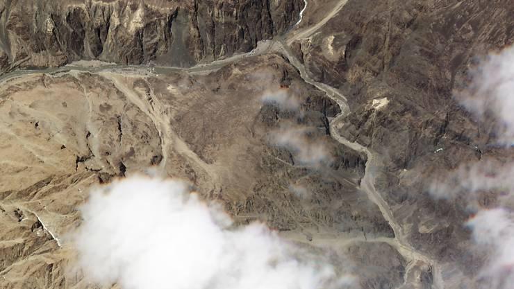 HANDOUT - Das Satelitenbild zeigt den Ort des Zusammenstoßes von indischen und chinesischen Soldaten im Himalaya. Foto: Uncredited/Plant Labs/AP/dpa - ACHTUNG: Nur zur redaktionellen Verwendung im Zusammenhang mit der aktuellen Berichterstattung und nur mit vollständiger Nennung des vorstehenden Credits