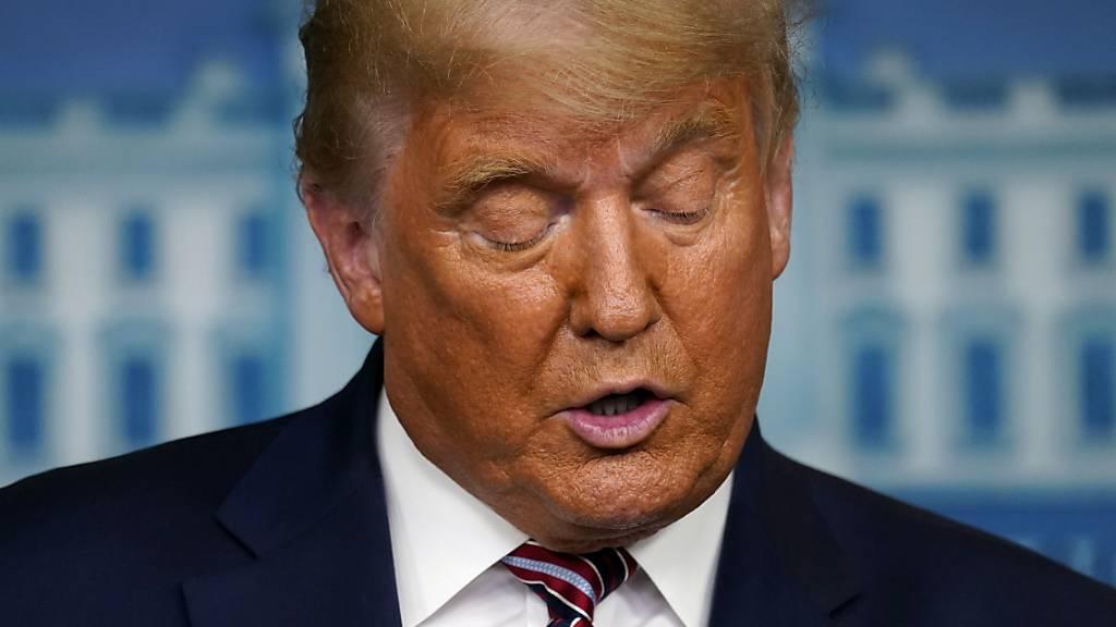 Donald Trump, Präsident der USA, spricht im Weißen Haus. Foto: Evan Vucci/AP/dpa