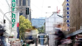 Klingelnde Kassen: Die deutschen Detailhändler haben 2018 ihren Umsatz um über 3 Prozent steigern können. (Archiv)