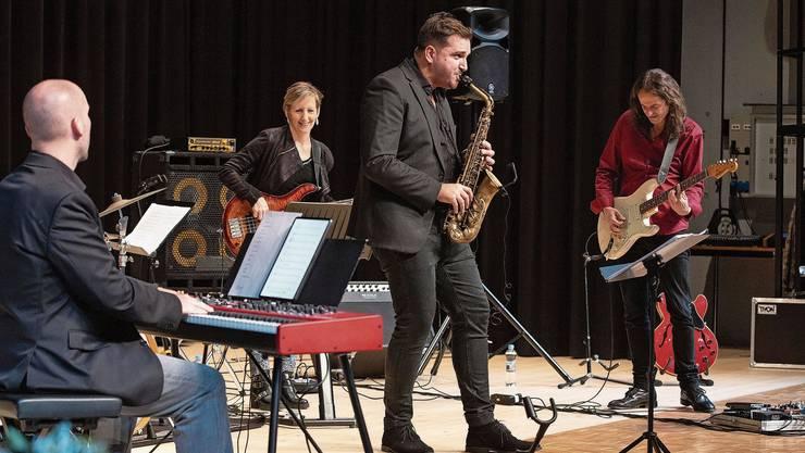 Der Saxofonist Fabian Capaldi hatte sichtlich Spass, vor Publikum spielen zu dürfen.