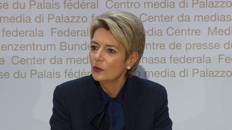 Karin Keller-Sutter bei der Medienkonferenz.