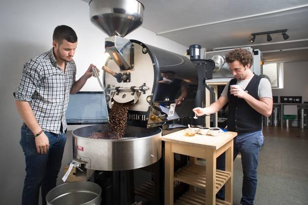 Benjamin (rechts) und Felix Hohlmann sind die Kaffeemacher, die das neue Bahnhofs-Café betreiben werden.