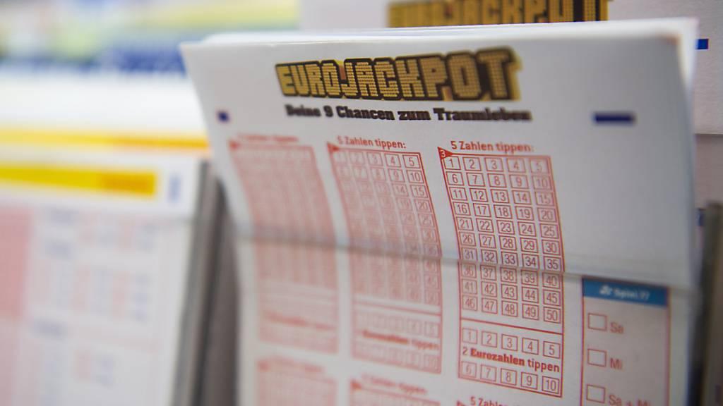 Ein Mann aus dem deutschen Bundesland Hessen hat den Eurojackpot in Höhe von 90 Millionen Euro geknackt. (Archivbild)