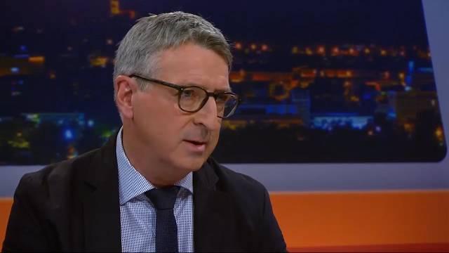 Auch Peter Voser kritisiert Koradis unglaubwürdige Äusserungen in der Öffentlichkeit.