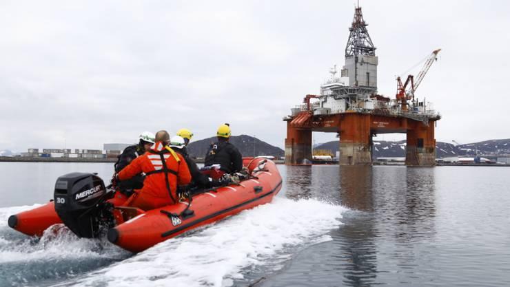 Greenpeace-Aktivisten gingen bereits im April gegen eine Ölbohrinsel im norwegischen Hammerfest vor. (Archivbild)