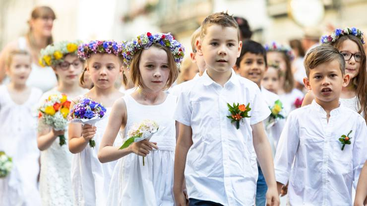 Solche Bilder wird es dieses Jahr nicht geben: Der Maienzug 2019 in Aarau.