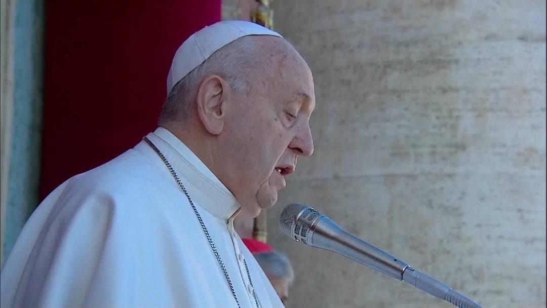 Papst ruft in Weihnachtsbotschaft zum Frieden auf