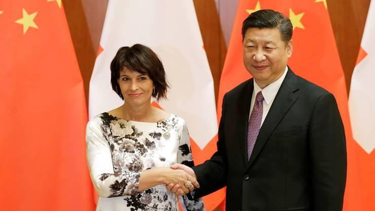 Handshake im Mai 2017: Leuthard und der chinesische Präsident Xi.Keystone