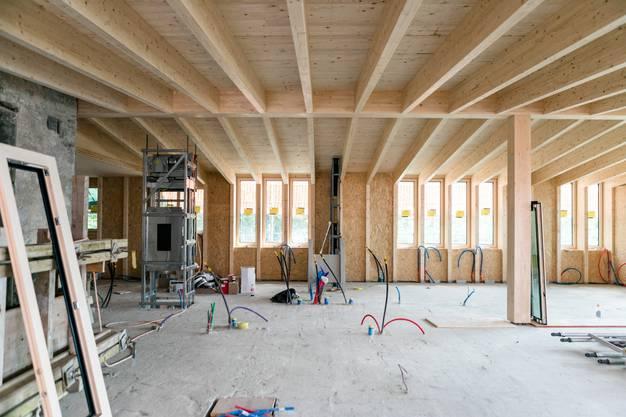 Der ursprüngliche Turmbau wird erhalten, daneben entsteht derzeit die neue Gaststube aus massivem Fichtenholz.
