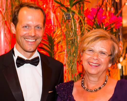 Les-Trois-Rois-CEO Reto Kocher mit Ball-Initiantin Suzanne Gfeller