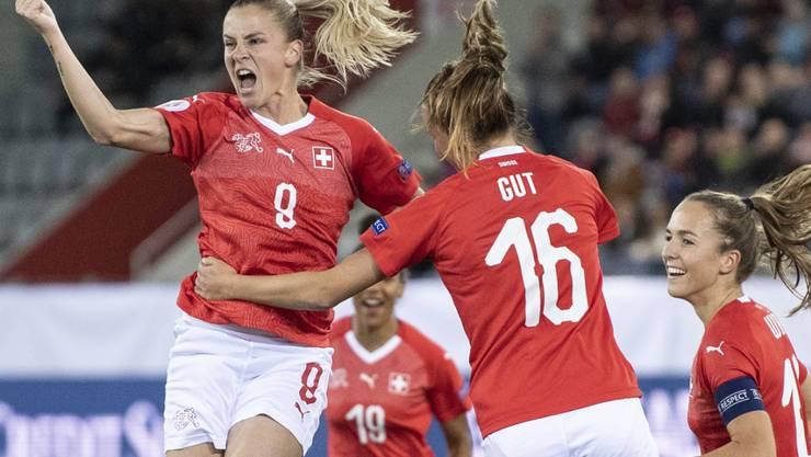 Ana Maria Crnogorcevic freut sich über ihren Treffer