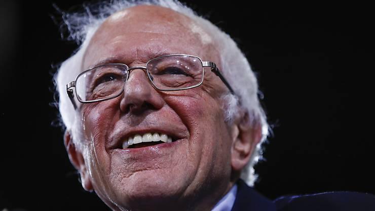 ARCHIV - Bernie Sanders, US-Senator, spricht im März bei einer Veranstaltung. Foto: Matt Rourke/AP/dpa