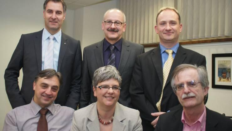 Der Vorstand: Stephan Egli, Heinz Vogler, Stefan Bolliger (stehend von links), Elio Frapolli, Sabine Billeter, Roland Ebnöther (sitzend). fotos: mmo