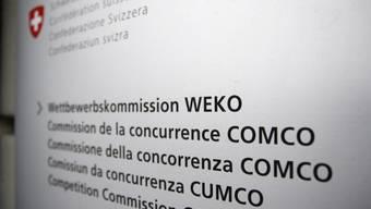 Schild der Wettbewerbskommission in Bern (Archiv)