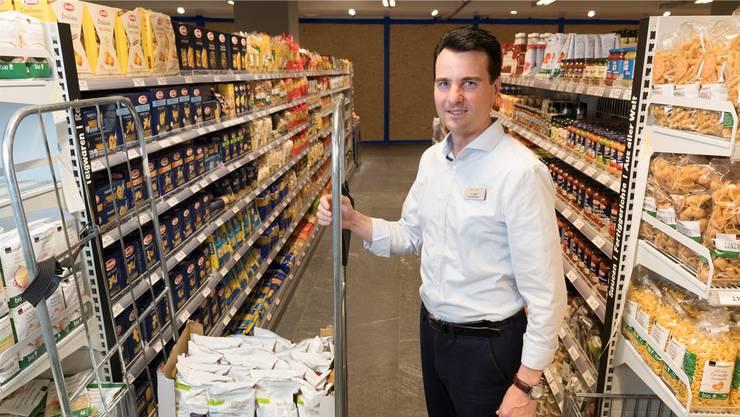 «Darauf kann Aarau stolz sein»: Geschäftsführer Alexander Schibli in der neuen Food-Abteilung.