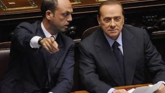 Justizminister Angelino Alfano (l) und Premier Silvio Berlusconi (Archiv)