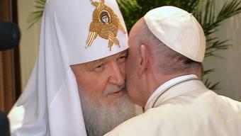Papst Franziskus trifft sich mit Patriarch Kirill