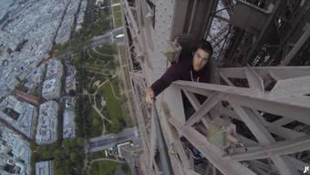Das haarsträubende Video von James Kingstons letzter Wahnsinns-Aktion.