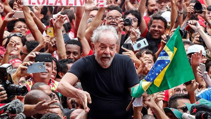 Wurde bei seinem ersten Auftritt nach seiner Freilassung von seinen Anhängern frenetisch gefeiert: Brasiliens Ex-Präsident Lula da Silva.
