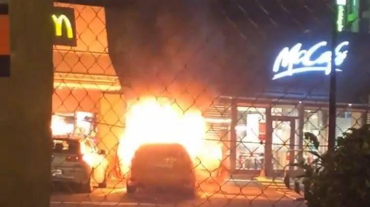 Auto brennt beim McDonald's in Kriens – keine Verletzten