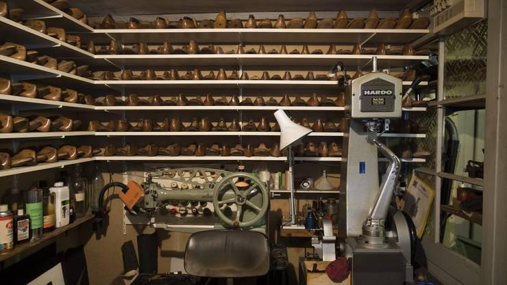 Blick in die kleine Kammer hinter der Werkstatt.