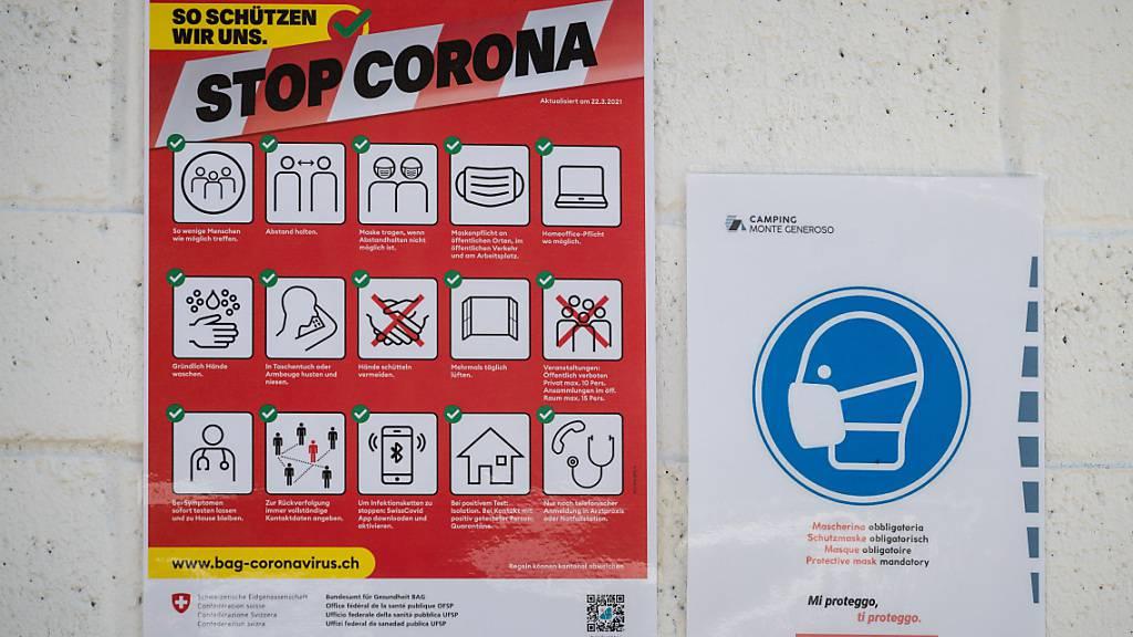 Das Bundesamt für Gesundheit meldet am Freitag 2250 neue Ansteckungen mit dem Coronavirus. (Themenbild)