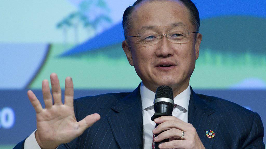 Weltbank-Präsident Jim Yong Kim vermeldet bessere ökonomische Aussichten für die Weltkonjunktur. (Archivbild)