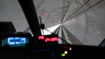Die letzte fehlende Röhre der Neat: Blick aus dem Führerstand im Ceneri-Basistunnel.