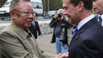 Hochrangiges Treffen in Ulan Ude: Nordkoreas Staatschef Kim Jong Il (l.) und Russlands Präsident Dmitri Medwedew